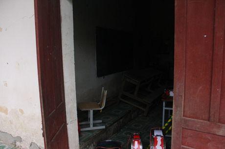 Co tro truong TH Dien Quang 7 nam hoc trong mui thuoc sau nong nac - Anh 4