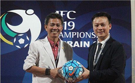 HLV Hoang Anh Tuan ca ngoi cach sap lich cua AFC - Anh 1