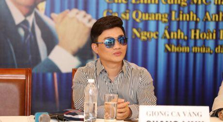 Quang Linh giai thich vi sao chua lay vo va 'hat 1 bai mua 4 can nha mat tien' - Anh 1