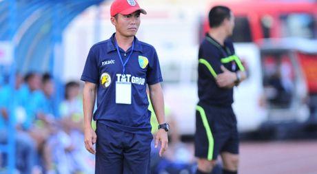 HLV Pham Minh Duc: 'Trong tai o giai U.21 rat on' - Anh 1