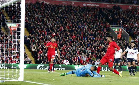 Sturridge ruc sang giup Liverpool khuat phuc Tottenham - Anh 2