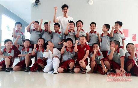 Chang sinh vien dam me Taekwondo - Anh 3
