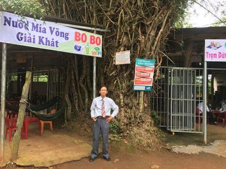 'Cu tre' co thu hon 50 nam tuoi loi cuon du khach o Dak Lak - Anh 9
