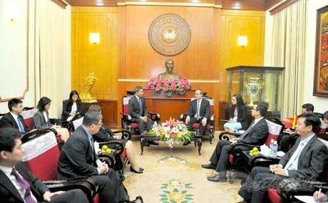 Chu tich Nguyen Thien Nhan tiep Bo truong Ngoai giao Singapore - Anh 1