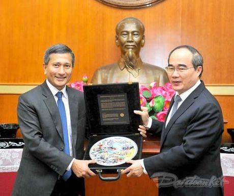 Chu tich Nguyen Thien Nhan tiep Bo truong Ngoai giao Singapore - Anh 3