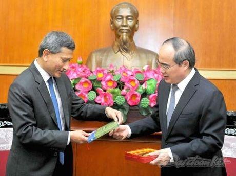 Chu tich Nguyen Thien Nhan tiep Bo truong Ngoai giao Singapore - Anh 4