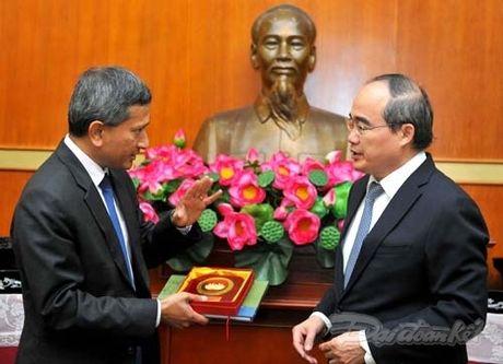 Chu tich Nguyen Thien Nhan tiep Bo truong Ngoai giao Singapore - Anh 5