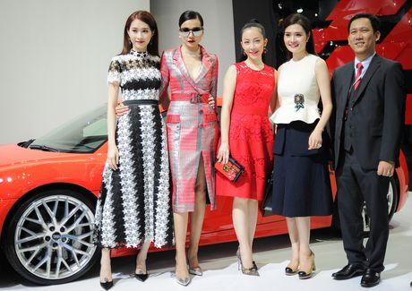 Ky Duyen, Pham Huong khoe sac tai trien lam xe quoc te VN - Anh 5