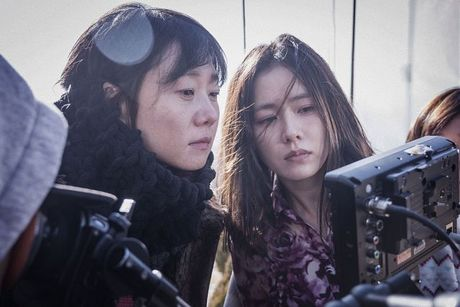Nguoi dep Son Ye Jin duoc gioi phe binh phim Han vinh danh - Anh 2