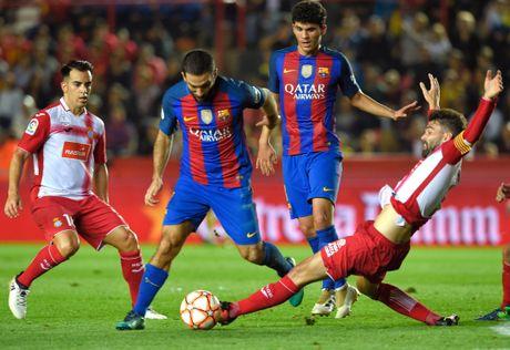 Messi du ngoan Disneyland trong ngay Barca thuc thu - Anh 3