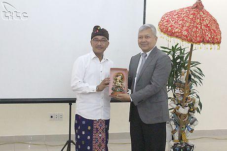 Hoi thao thuc day phat trien du lich Bali, Indonesia - Anh 2