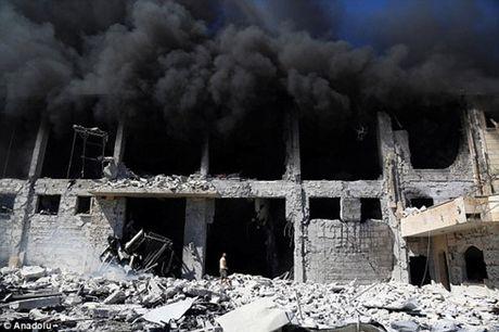 Nga tuyen bo se keo dai lenh dung khong kich tai thanh pho Aleppo - Anh 1