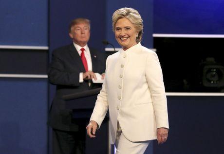Ba Hillary Clinton nhan duoc nhieu su ung ho tu gioi tre My - Anh 1
