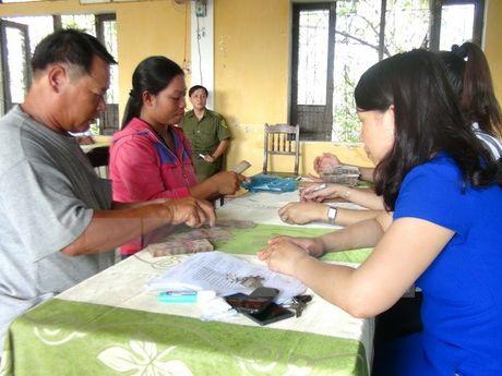 11 xa o Thua Thien-Hue da chi tra boi thuong cho ngu dan - Anh 1