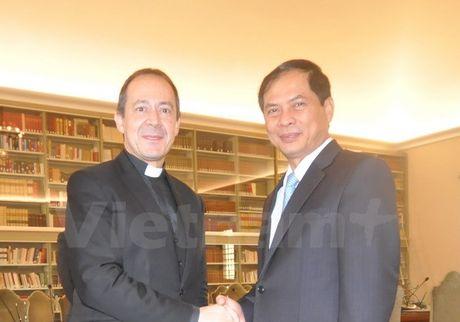 Thu truong Ngoai giao Bui Thanh Son tham Toa thanh Vatican - Anh 2