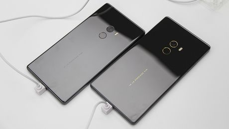 Tren tay Xiaomi Mi Mix khong vien man hinh, gia hoi - Anh 10