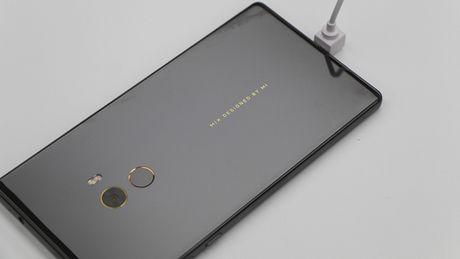 Tren tay Xiaomi Mi Mix khong vien man hinh, gia hoi - Anh 11