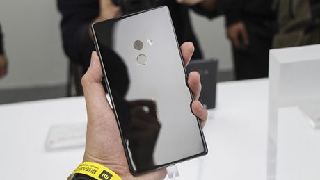 Tren tay Xiaomi Mi Mix khong vien man hinh, gia hoi - Anh 15