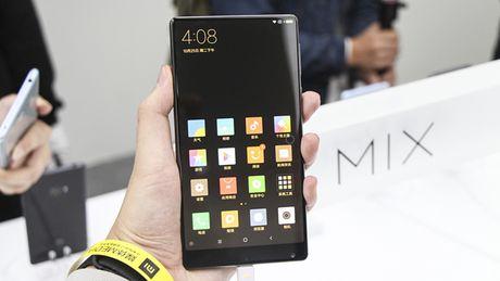 Tren tay Xiaomi Mi Mix khong vien man hinh, gia hoi - Anh 8