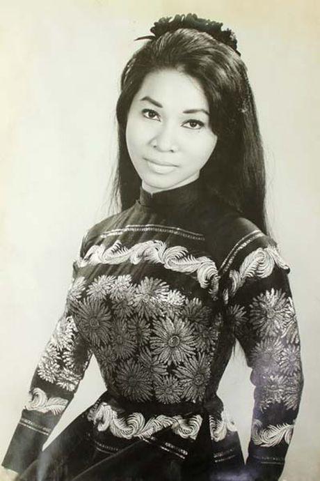Ve dep me hon cua dan my nhan tuyet sac noi tieng Sai Gon truoc 1975 - Anh 6