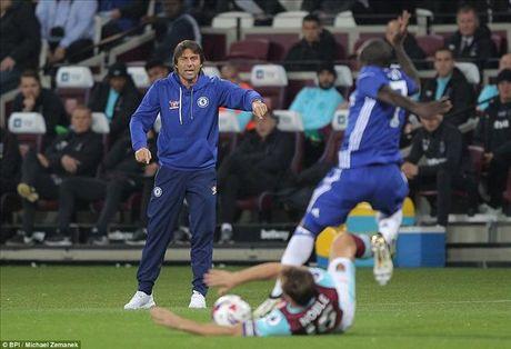 West Ham 2-1 Chelsea: Cai gia cua su mao hiem - Anh 1