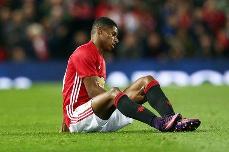 Marcus Rashford khien Jose Mourinho lo lang - Anh 1