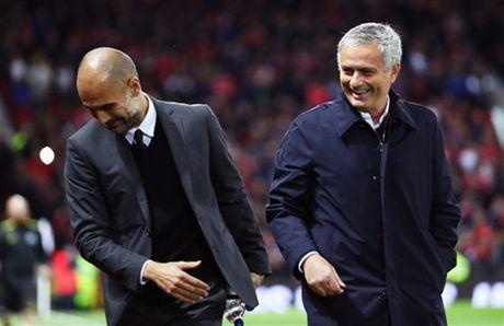 'Nguoi bi lang quen' Mata lap cong, Mourinho da mim cuoi - Anh 7