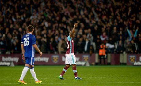 Ngay Terry tro lai, Chelsea 'bat' khoi League Cup - Anh 3