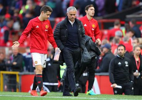 Can toi 2 ty bang Anh moi cuu duoc Man Utd - Anh 1