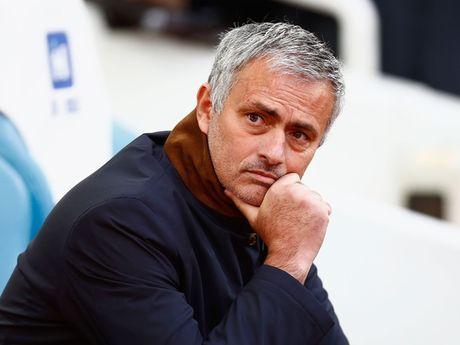 Tai sao Mourinho luon duoc cac co dong vien nha ung ho? - Anh 1