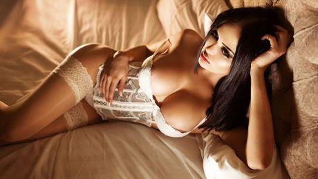 Nita Kuzmina: Thanh nu phong gym tung me man Drogba - Anh 4