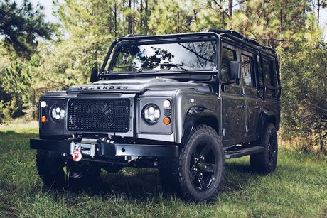 Land Rover Defender do offroad khung voi 'trai tim' My - Anh 1
