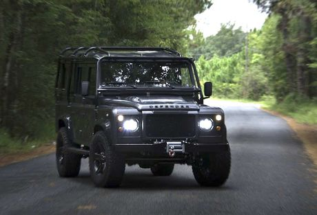 Land Rover Defender do offroad khung voi 'trai tim' My - Anh 2