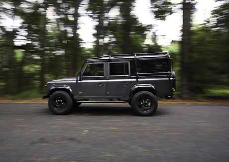 Land Rover Defender do offroad khung voi 'trai tim' My - Anh 3