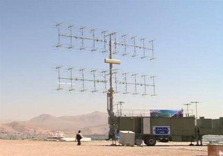 Iran khoe radar theo doi 200 muc tieu, xa den 500km - Anh 2