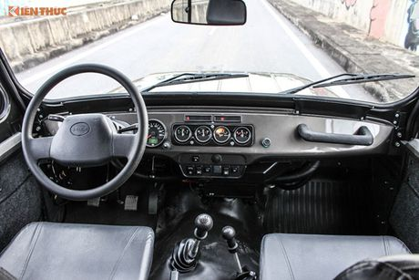 UAZ mang huyen thoai xe Nga den trien lam oto VIMS 2016 - Anh 6
