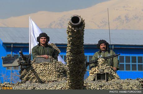 Xe tang Zolfaqar manh ngang T-90MS, Iran 'mo mong vien vong'? - Anh 7