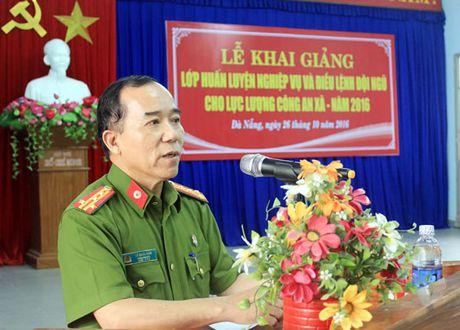 Khai giang lop Huan luyen nghiep vu Cong an xa - Anh 1