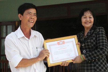 Bao Nha bao & Cong Luan dong hanh cung ba Mai Thuy Linh den voi dong bao vung lu Quang Binh - Anh 4