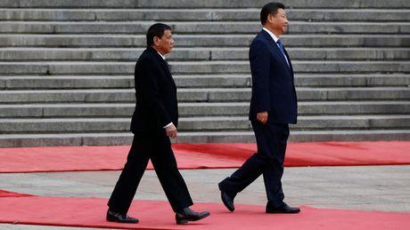 """Ong Duterte da """"nhuong"""" bien Dong cho Trung Quoc tu lau - Anh 1"""