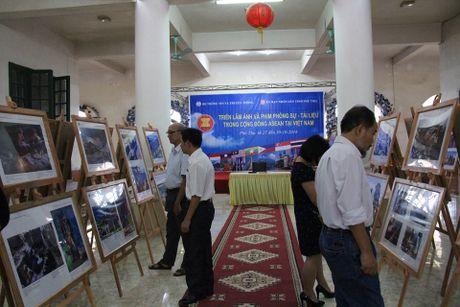 Trien lam anh va phim phong su - tai lieu ve ASEAN tai Phu Tho - Anh 1