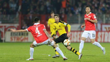 Dortmund - Union Berlin: Cang thang thot tim - Anh 1
