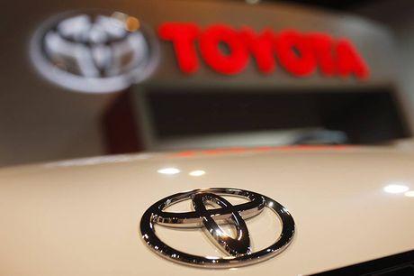 Toyota chinh thuc thu hoi 5,8 trieu xe do loi tui khi - Anh 1