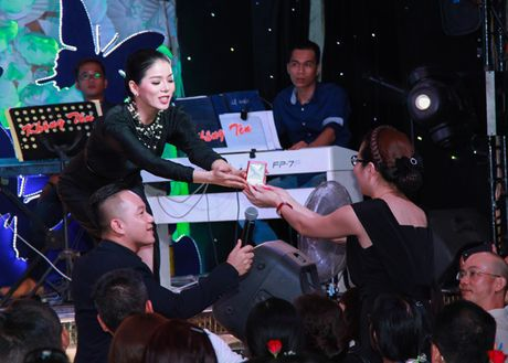 Le Quyen dau gia day chuyen mat Phat lam tu thien - Anh 4