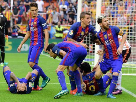Lien doan bong da Tay Ban Nha tru dap Barcelona? - Anh 1