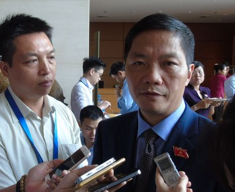 Bo truong Bo Cong Thuong Tran Tuan Anh: Bo se som hop xu ly can bo co sai pham - Anh 1