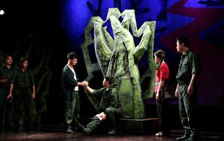 Dien vien tre To Dung: Lam 'dan anh' cua 'sep' Xuan Bac rat kho - Anh 3