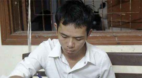 Da Nang: Bat nguoi nhan tin doa giet nu chu quan karaoke de tong tien - Anh 1