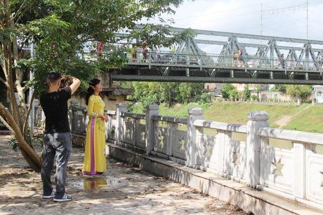 Cau bieu tuong cua Lang Son duoc do bo xay moi - Anh 8