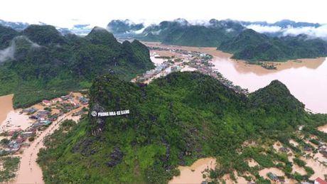 Quang Binh: Can su chung tay cua cong dong, giup cac em nho vung cao den truong - Anh 6